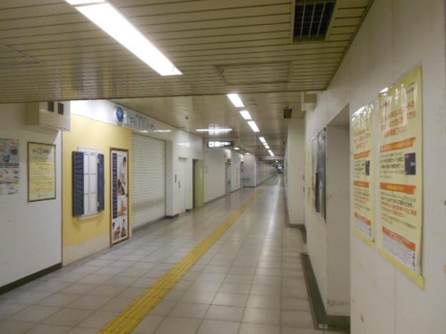 08-02 烏丸御池駅(K08・T13)トイレ外観
