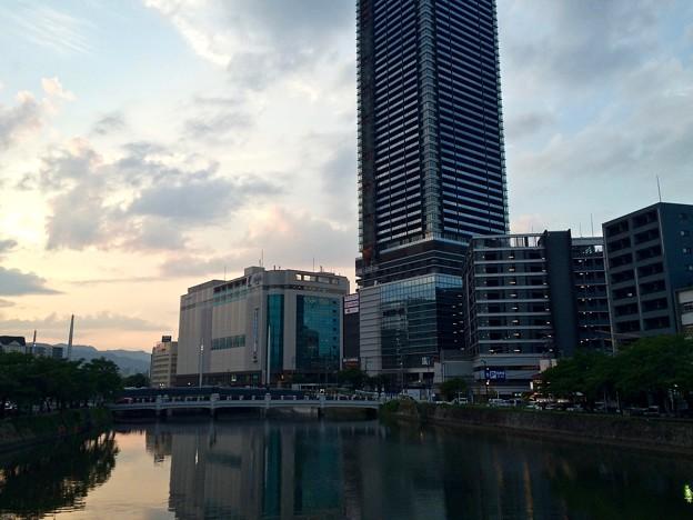 荒神橋から広島駅南口Bブロック方向 2016年6月17日