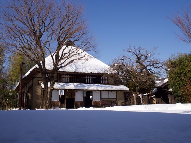 旧城田家と広場