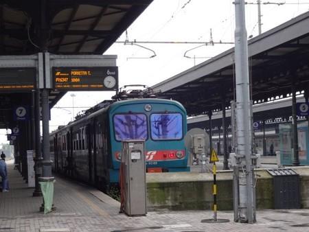 ポレッタ行き普通列車(ボローニャ駅)