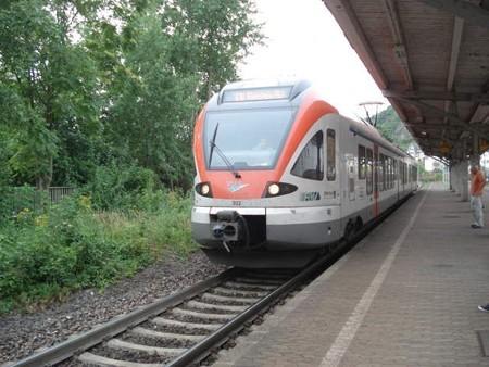 リューデスハイム行き普通列車