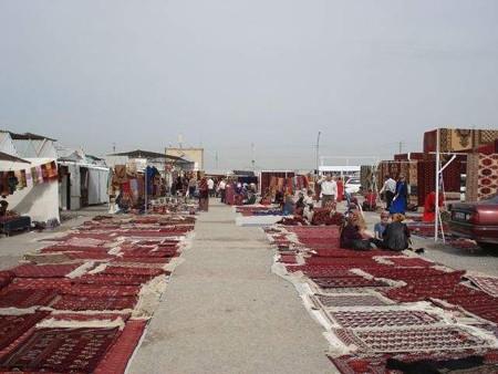 絨毯売り場(トルクチャカバザール)(1)