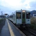 写真: 戸狩野沢温泉行き普通列車(北飯山駅)