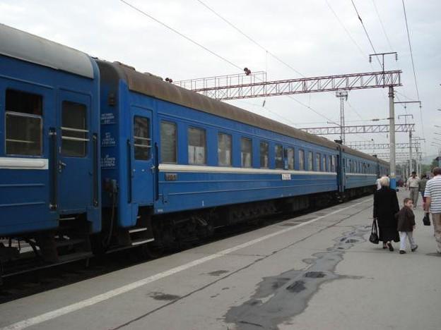 N12列車(アルマティ2駅)