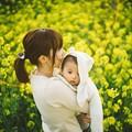 写真: 母と子