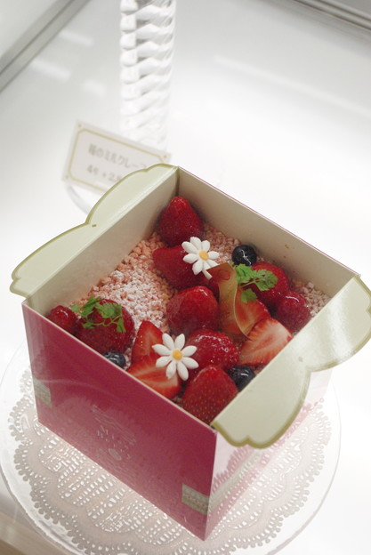 Miss Berry ボックスケーキ