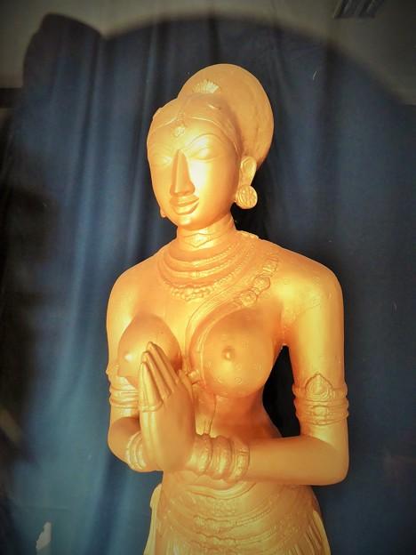 平和の祈り~ヒンドゥー彫刻 Prayer for peace