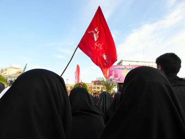 写真: 人垣のチャドル~マシュハド Bait ol Moqaddas square