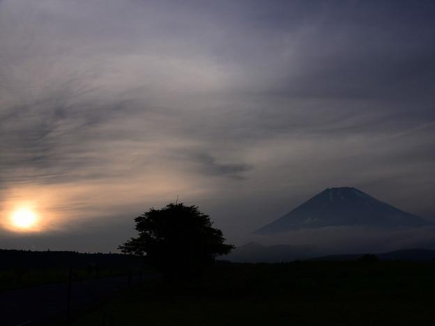 梅雨空と富士No.01