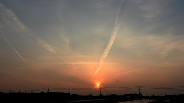 写真: 燃え落ちる太陽