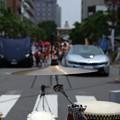 写真: シンバルと太鼓とスーパーカー