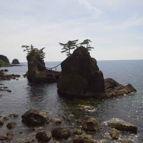 機具岩(はたごいわ)