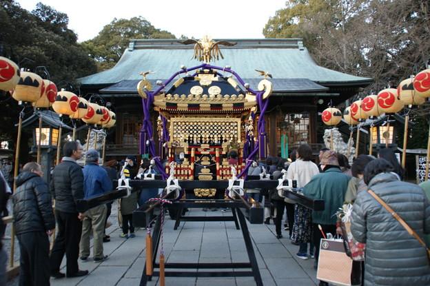 神輿と拝殿