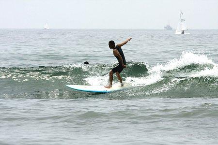 2009.06.13 七里ガ浜 surfer-1
