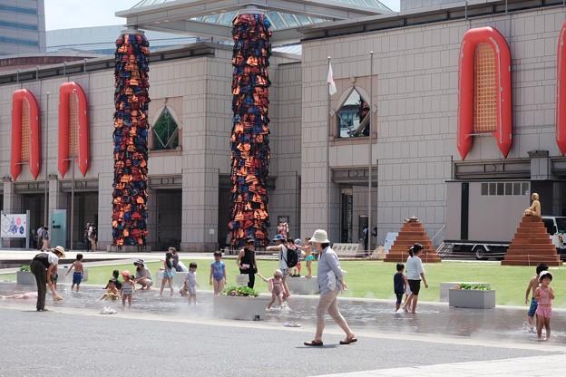 写真: 2017.08.09 横浜美術館 ヨコハマトリエンナーレ2017 水遊び