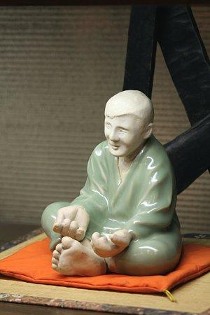 2009.08.29 横浜 ランチの店の置物