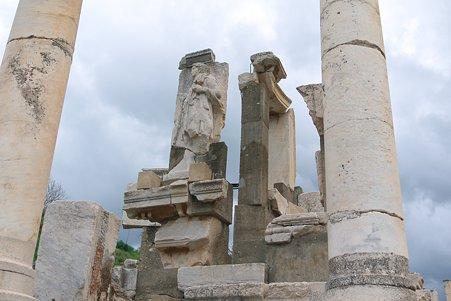 2011.01.23 トルコ 古代都市エフェス メミウスの記念碑