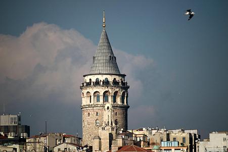 2011.01.27 トルコ イスタンブル イェニ・ジャーミィモスク前広場からガラタ塔