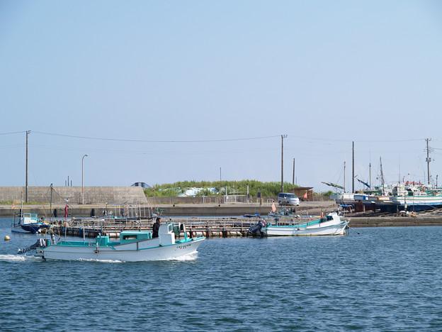 房総の漁港・夏・出漁:2007_0825_olymp_E-500_8259347