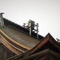 Photos: 屋根に桶
