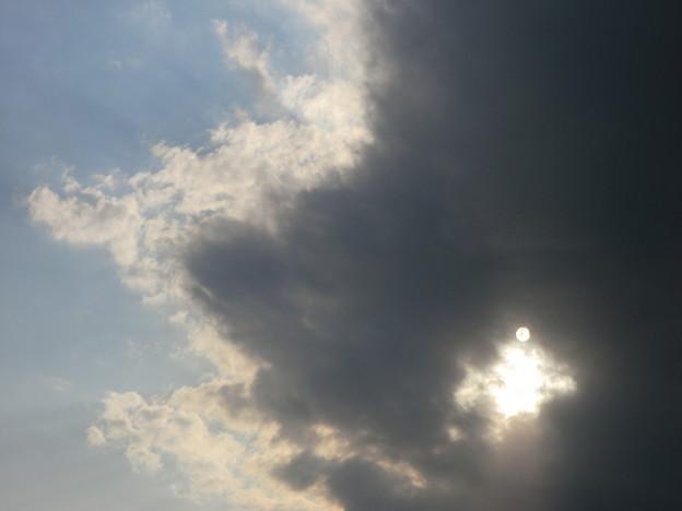 Photos: 暗雲迫る1