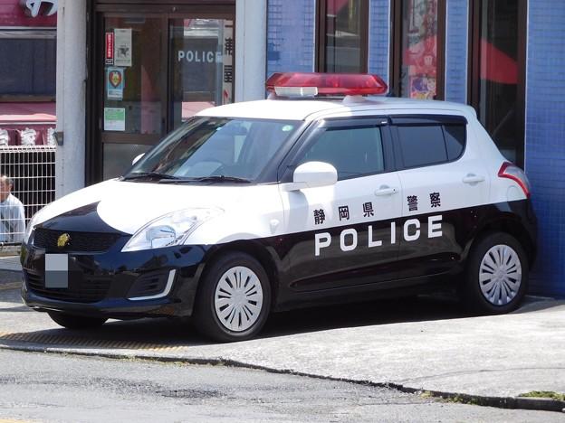 静岡県警察 スズキ・スイフト