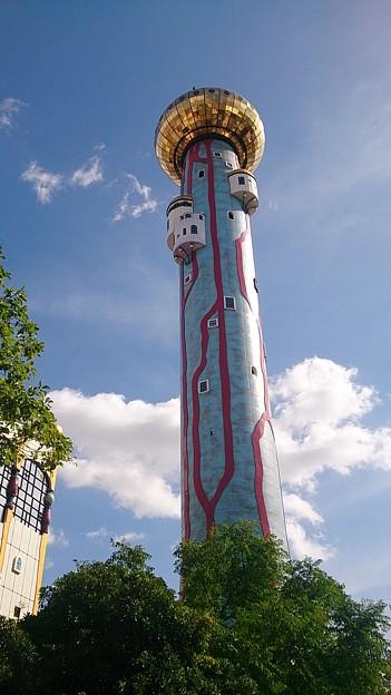 不思議な塔