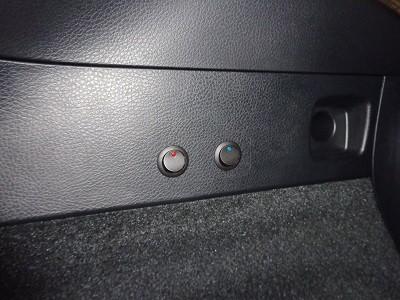 ハリアー60系 新潟県 リア2色ウインカーLED取付 スイッチ取付
