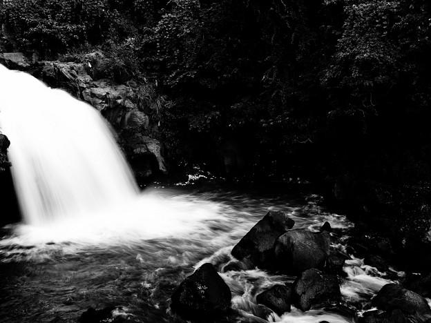鮎止めの滝