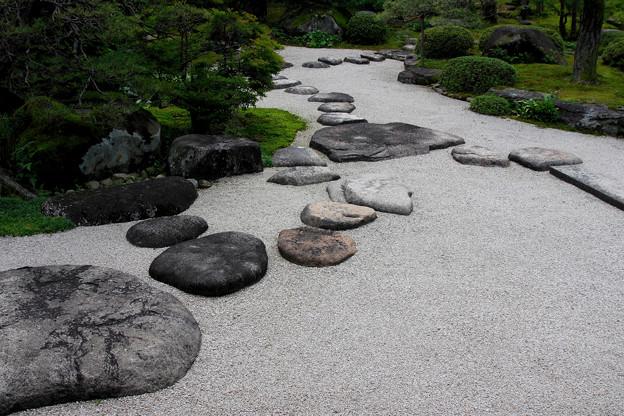 出雲文化伝承館:庭の飛び石【蔵出し】
