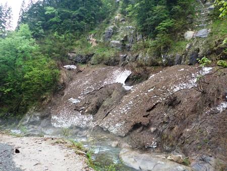 2ー新緑の渓流へ