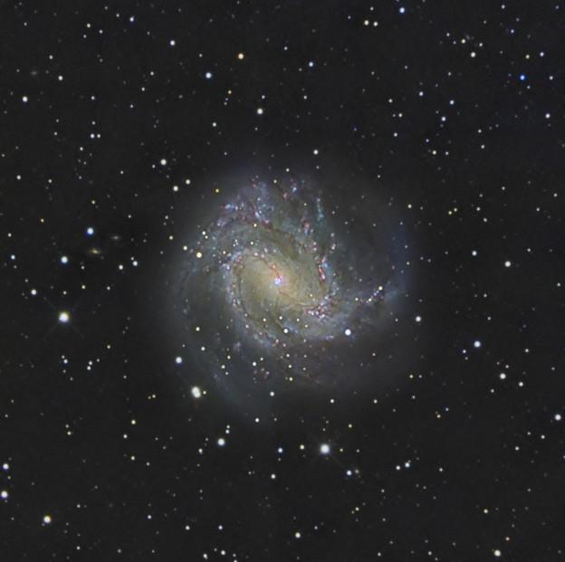 M83 南の回転花火銀河