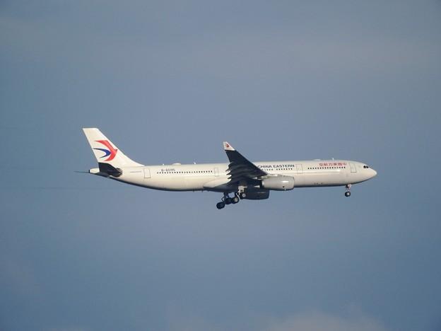 Airbus A330-343X 中国東方航空B6095