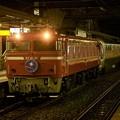 写真: EF81 81牽引カシオペア紀行号 雨の雀宮2番入線