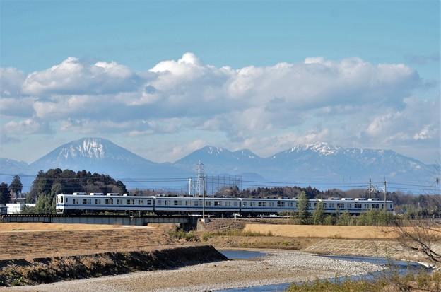 Photos: 日光連山と東武8000系