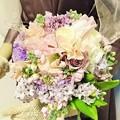 G先生にこれを。春のお花たちたっぷりで、ブーケにしました。
