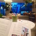写真: 【本日のグルテンフリー食】てかスムージーだけど(^_^*話題の「シリアルキラー展」からシックスのオキニ野菜カフェという私的満足な銀ブラコース♪アーモンドアボカド美味しや??都心は空梅雨ありがたや??