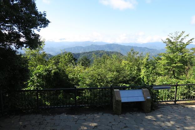170929-88高尾山・再び山頂の展望台