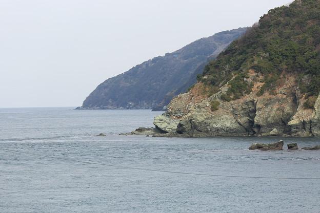 写真: 佐田岬灯台海岸線