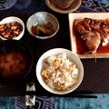 写真: 今日の昼食は、栗御飯です。