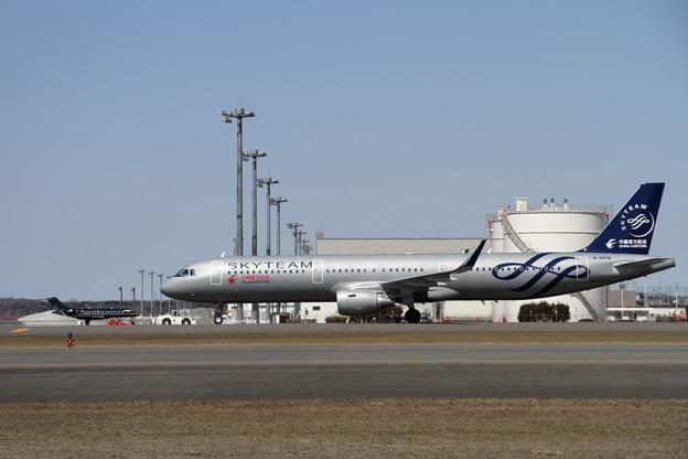 A321 B-8976 東方航空