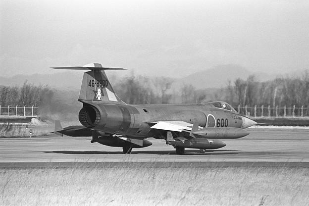 F-104J 46-8600 203sq 1979oct(2)