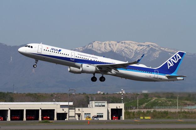 A321ceo JA111A takeoff