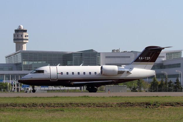 写真: Challenger 604 XA-TZF (2)