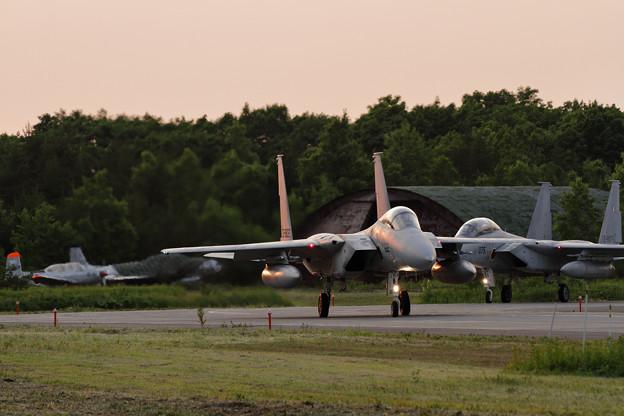 Photos: F-15 Night Flightへ