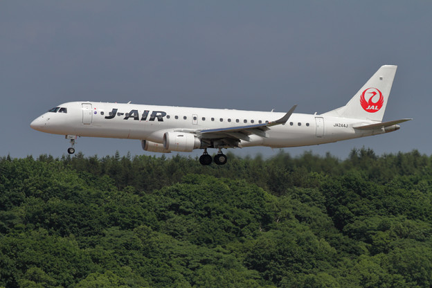 Embraer ERJ-190STD JA244J approach