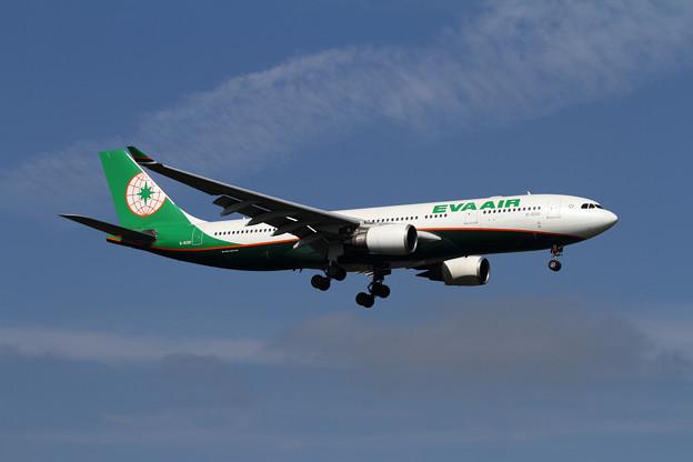 Photos: A330-200 EVAの新塗装 B-16310