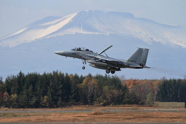 F-15DJ 075 203sq landing