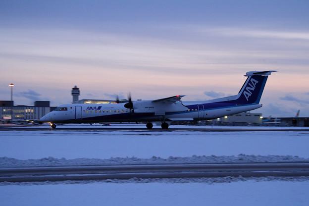Q400 JA851A ANA Wings