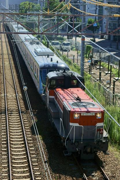 写真: メトロ16000系 甲種輸送【DE10 1743牽引】